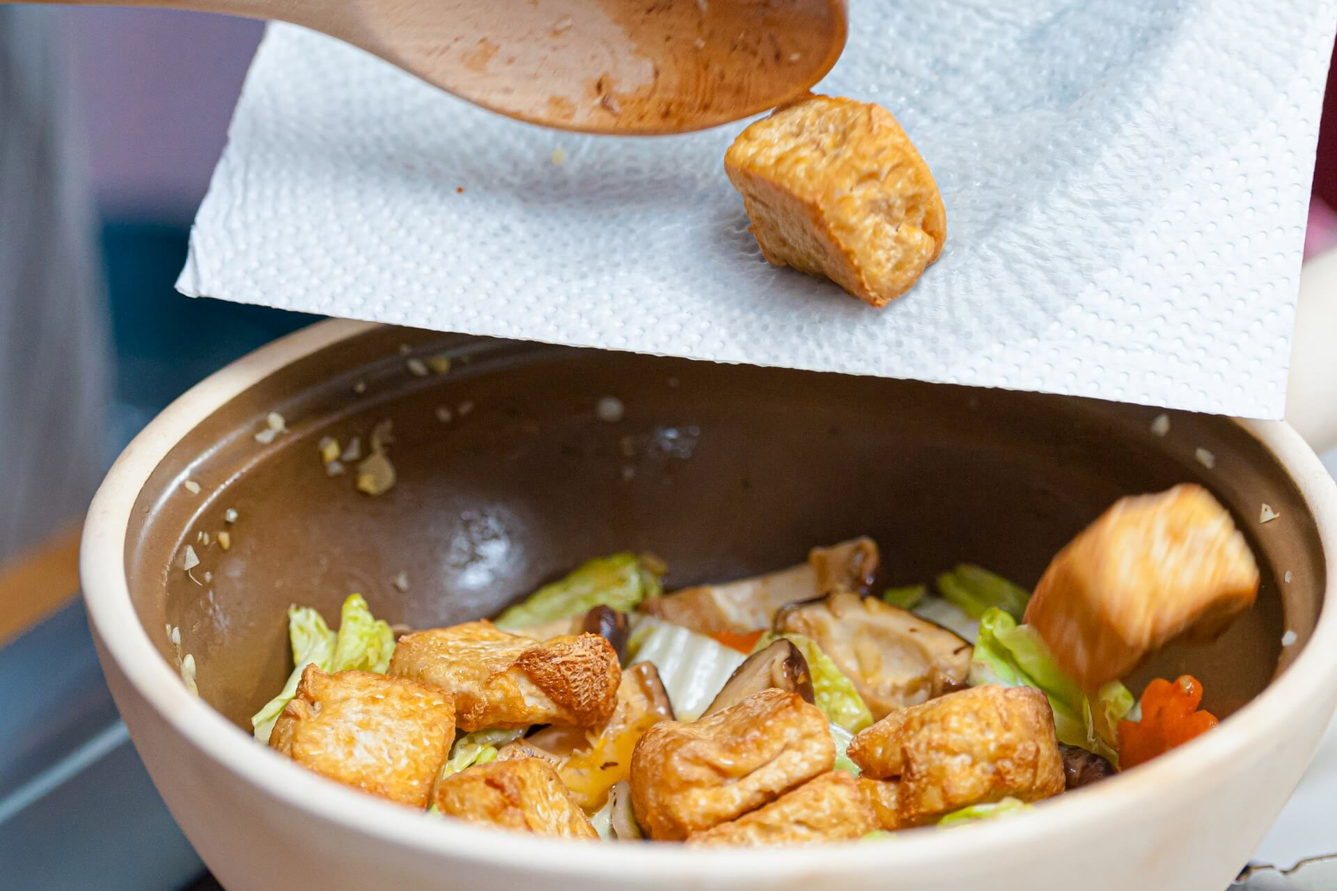 Cook the tofu and water chestnuts