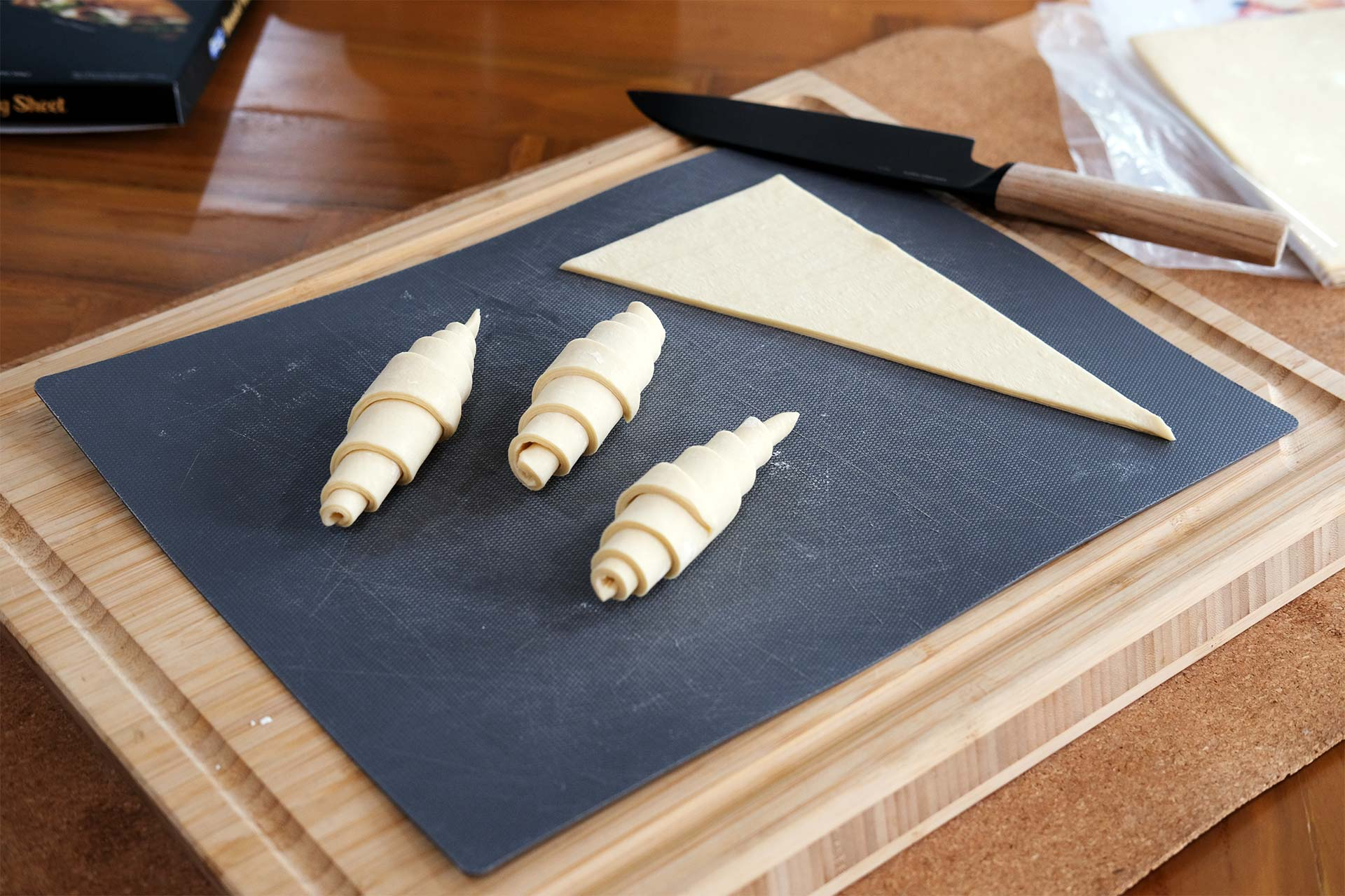 Cutting the pastry