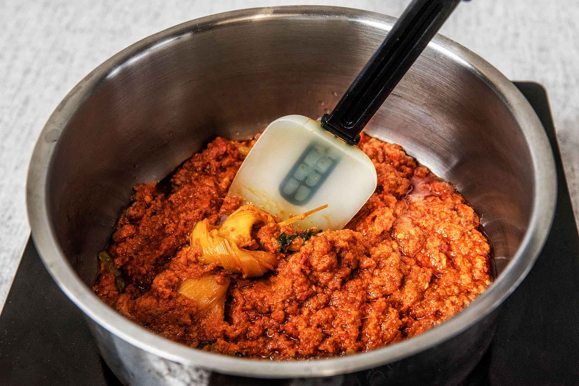Blend and fry spice paste