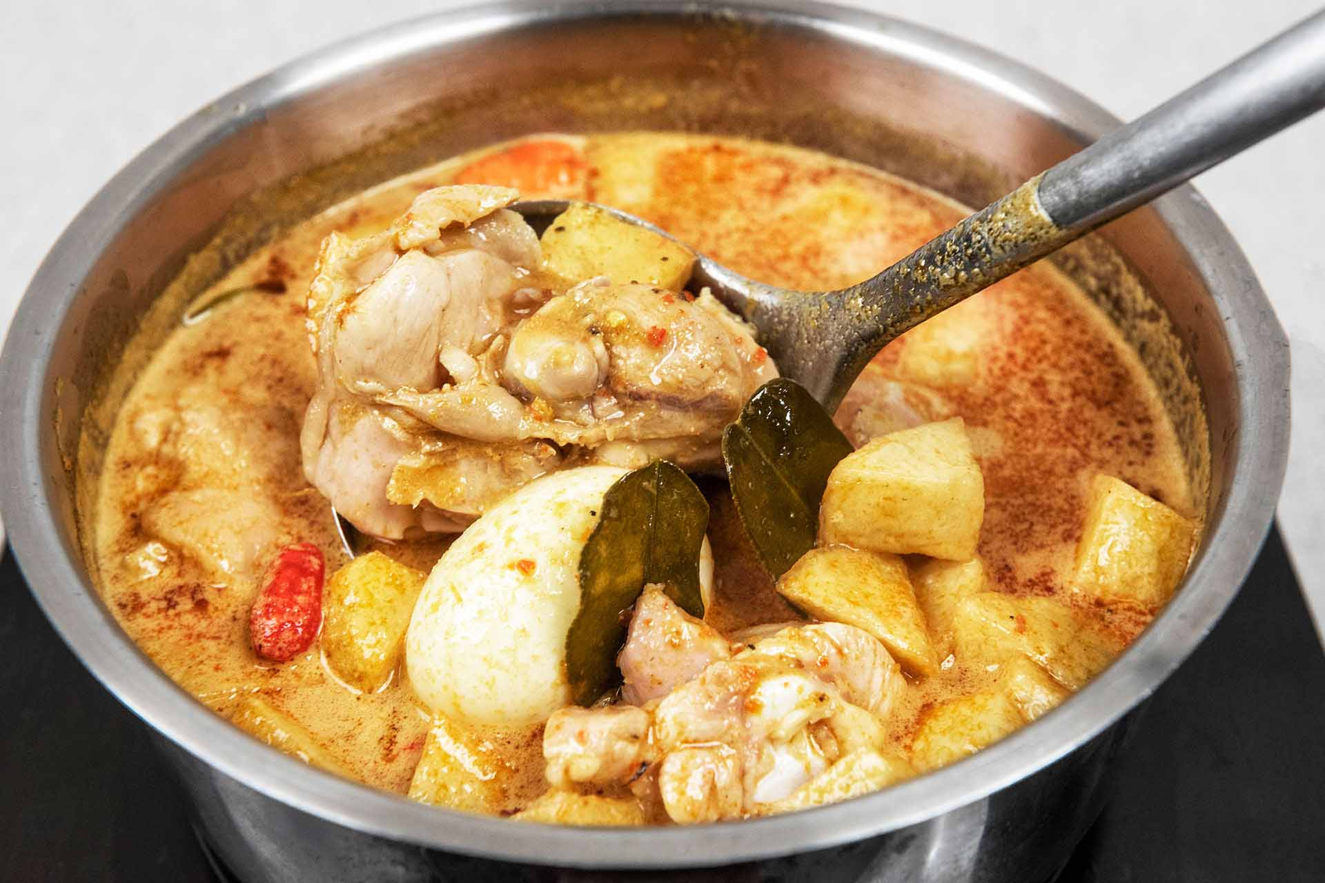 Cook curry