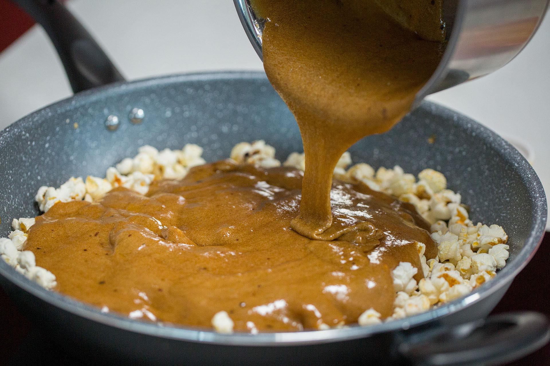 Making caramel mala sauce